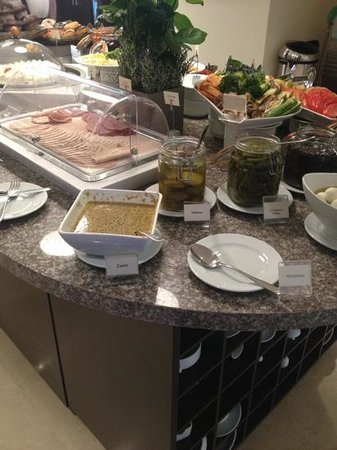Staybridge Suites Beirut: great buffet variety