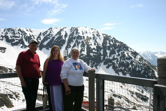 907 Tours: Anchorage - Day Tours: The Partons in Alaska
