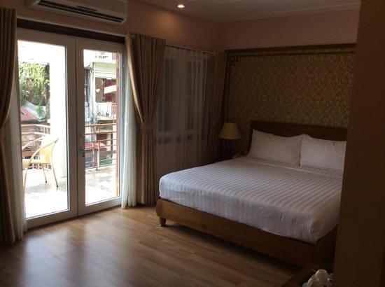 Spring Flower Hotel Hanoi: our room