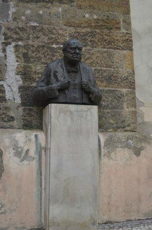 Mala strana: Winston Churchill