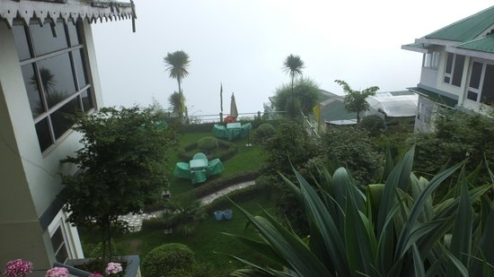 Central Nirvana Resort, Darjeeling: Taken from the road above