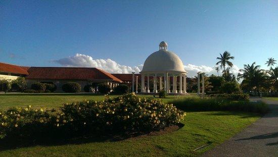 Gran Melia Golf Resort Puerto Rico : Gazebo and Grounds
