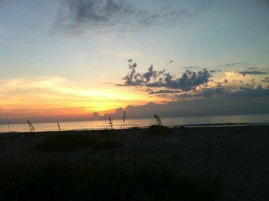 Beach Island Resort: sunrise
