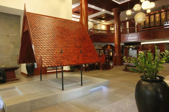 The Privilege Floor by BOREI ANGKOR: Hotel Reception Area