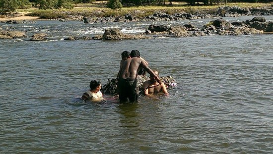 Galibore Nature Camp: A play in water with there guide is must
