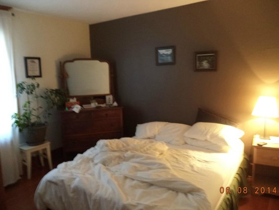 Rocky Mountain B&B: Room 1
