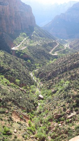 Canyon Overlook Trail : The road up...