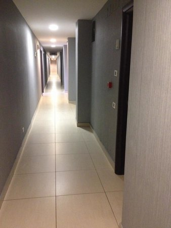 Hotel Napolit'amo Medina: Vista do corredor