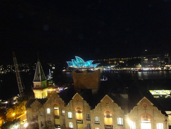 Holiday Inn Old Sydney : Vivid Sydney from the hotel's rooftop