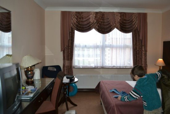 Sheldon Park Hotel: 4