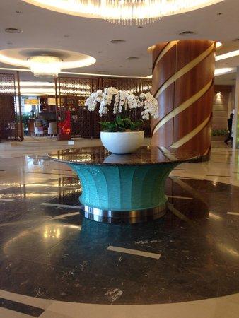 The Gardens Hotel & Residences: Lobby area