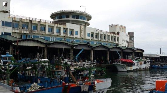 新港渔市场(新港渔港,成功渔港)