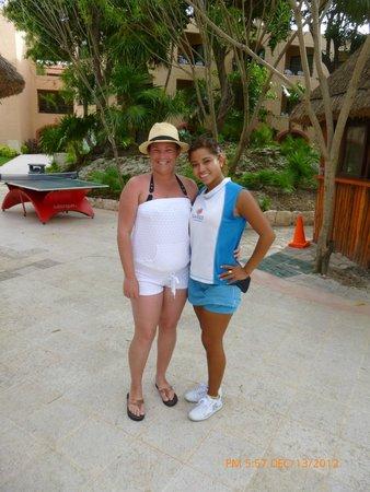 Sandos Playacar Beach Resort : Me and animator Sandy