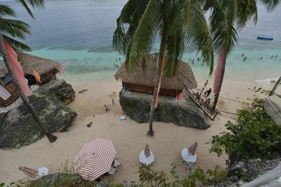 Voda Krasna Beach Resort: beach hut