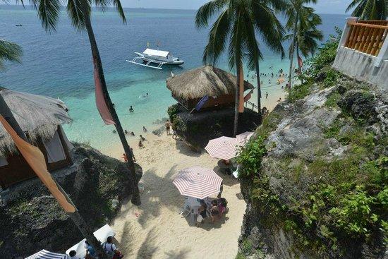 Voda Krasna Beach Resort Hut