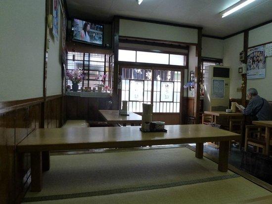 Okinasoba: 店内
