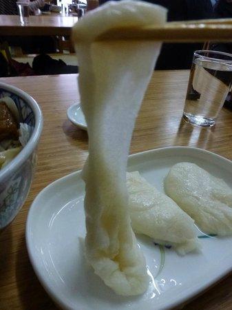 Okinasoba: トッピングのお餅@50円
