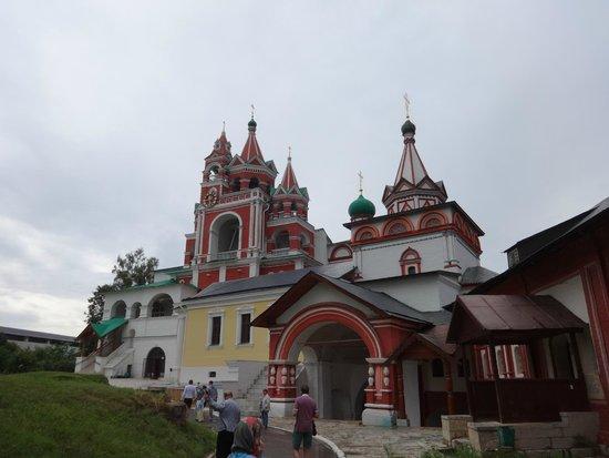 Savvino-Storozhevsky Monastery: внутренний двор