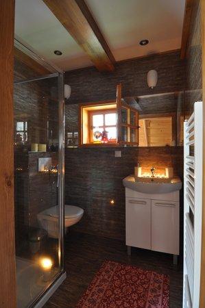 Zilina Region, سلوفاكيا: Cottage- bathroom