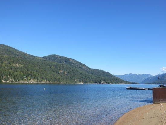 Blue Mountain Lodge: Beach area