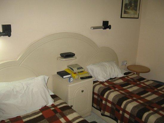 Relax Inn Hotel: 9