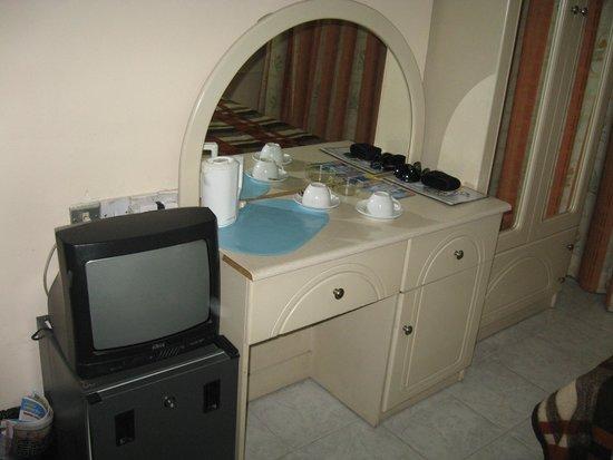 Relax Inn Hotel: 5