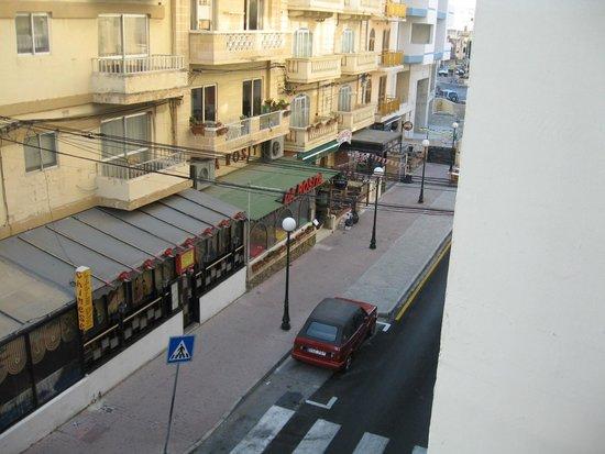 Relax Inn Hotel: 10
