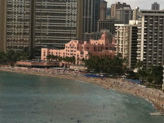 Aston Waikiki Beach Hotel : Veiw of the Royal Hawaiian where my wife went many time as a child.