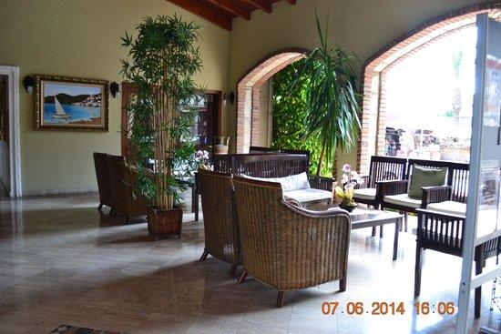Club Anastasia: Hotel Lobby