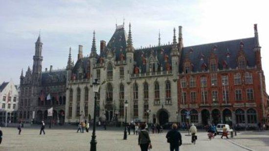 Grand-Place : Markt : palais provincial