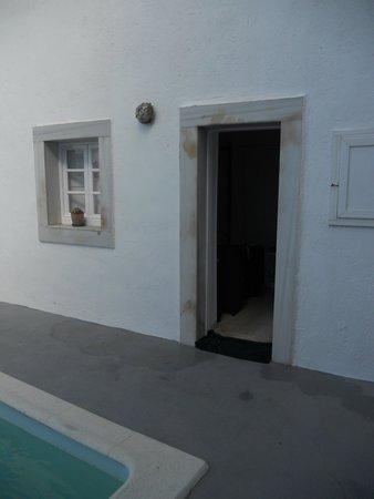 Nomikos Villas: Our pool view room !!!