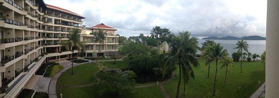 Shangri-La's Tanjung Aru Resort & Spa: バルコニーからの眺め
