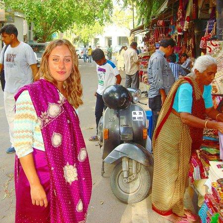 Paul S Shoes Delhi Hours