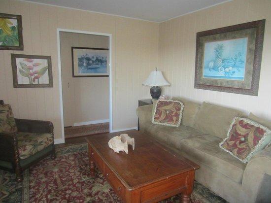Hana Accommodations: Living room
