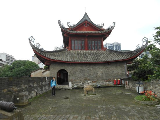 East Gate Tower of Liuzhou : First level of the gate/fort