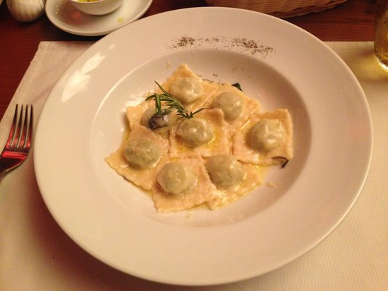 Leonardo Davinci: Home-made Ravioli and Sage. Amazing!