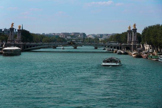 River Seine: Сена, vост Александра III