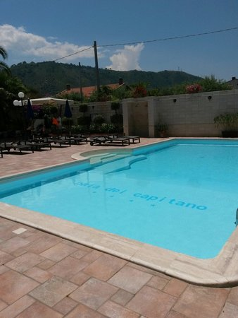 Hotel Baia del Capitano : Piscina