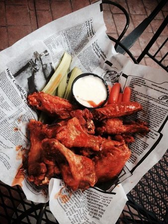 Riley Street Station: WINGS are a good size and cooked to perfection!!