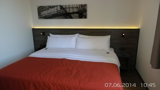 Tryp Berlin Mitte Hotel: Letto