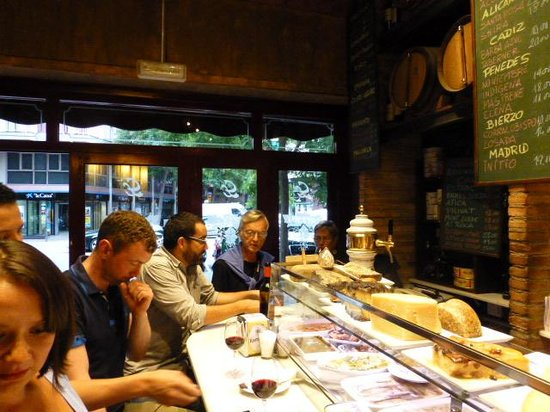 Aborigens -Local Food Insiders: Casa Lucio Tapa Bar