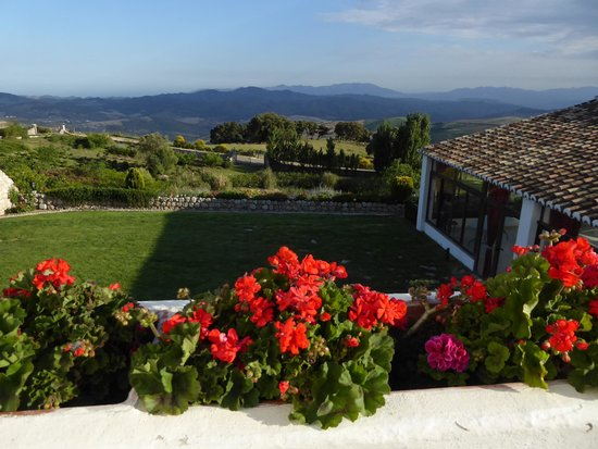 Hotel La Fuente del Sol: view from terrace for afternoon tapas