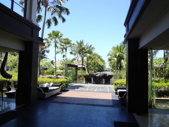 The St. Regis Bali Resort: Grounds
