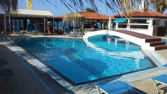 Aeolos Beach Resort Hotel: Pool