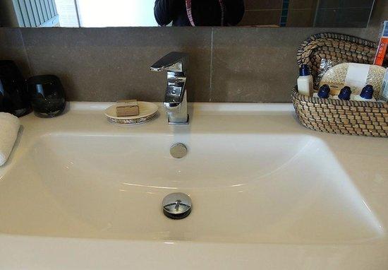Elanaz Hotel Istanbul: Bathroom