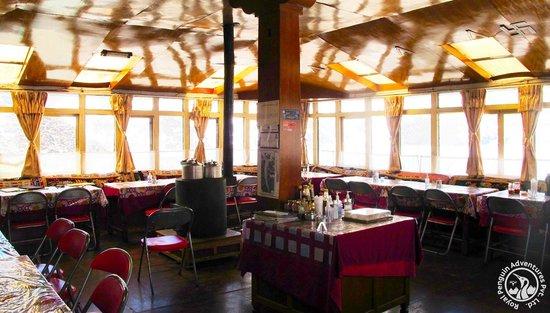 Gokyo resort dining hall