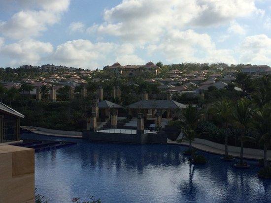 Mulia Villas: View back to Villas