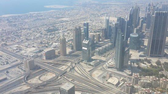 Burj Khalifa: The road network!!!  Just wow.