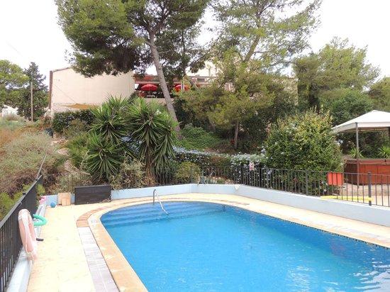 La Mariposa Restaurant : Pool-Terrace parasols