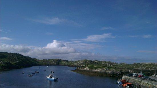Inishbofin House Hotel & Marine Spa : The view form Inishbofin House Hotel(our room)